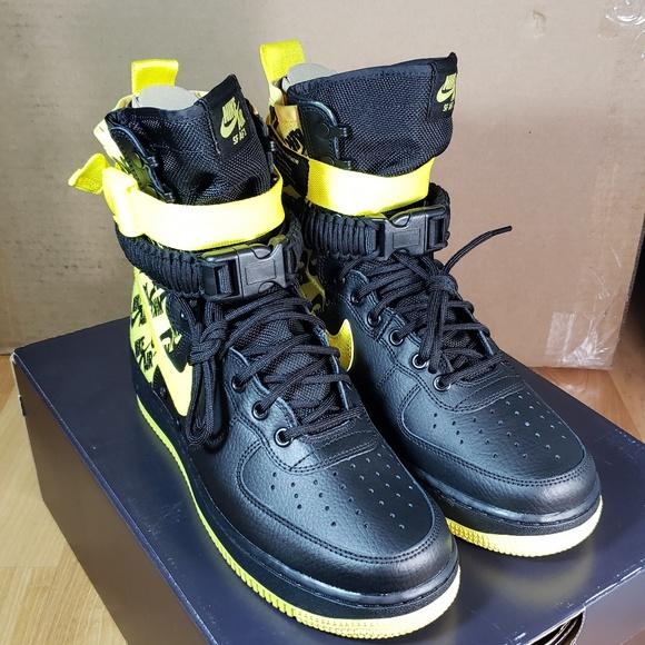brand new 3f104 fb872 Nike Air Force 1 SZ 9.5 Boots Black Yellow NEW